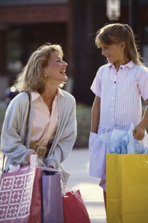 secret-shopper-and-child